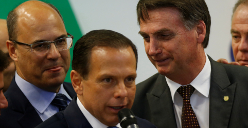Placeholder - loading - Imagem da notícia Bolsonaro diz que Doria e Huck aproveitaram 'teta' em compra de aviões financiada pelo BNDES
