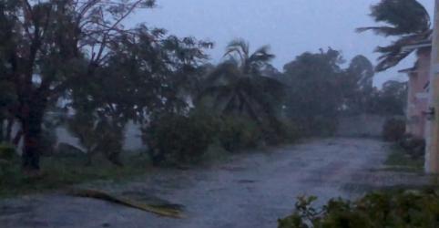 'Extremamente perigoso', Furacão Dorian atinge Bahamas e se aproxima da Flórida