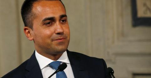 Placeholder - loading - Movimento 5-Estrelas vota a favor de coalizão com Partido Democrático na Itália