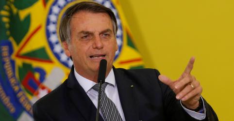 Placeholder - loading - Imagem da notícia Bolsonaro diz que vive em 'meio repugnante' e não mudará estilo
