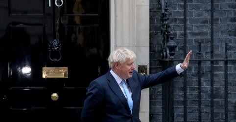 Placeholder - loading - Imagem da notícia Premiê britânico inicia campanha eleitoral após Parlamento vetar Brexit sem acordo