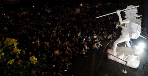 Líder de Hong Kong diz que retirada de lei é primeiro passo, mas protestos continuam