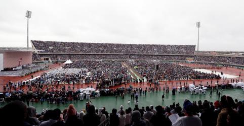 Placeholder - loading - Imagem da notícia Papa ataca líderes corruptos ao encerrar visita a Moçambique