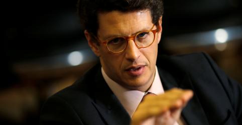 ENTREVISTA-Governo tem dificuldade para manter quadro de fiscais ambientais e precisa ser criativo, diz Salles