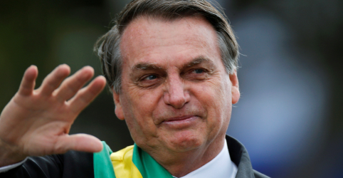 Placeholder - loading - Imagem da notícia Bolsonaro tem contínua melhora 48 horas após cirurgia; segue sem previsão de alta