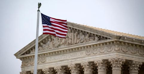 Placeholder - loading - Imagem da notícia Suprema Corte dos EUA permite que Trump negue asilo a centro-americanos