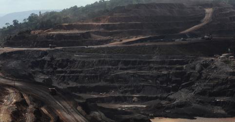 Placeholder - loading - Imagem da notícia Exportação de minério de ferro do Brasil recua quase 15% em 2019