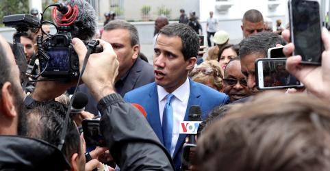 Placeholder - loading - Imagem da notícia Governo da Venezuela anuncia vitória em eleição no Congresso; oposição denuncia golpe