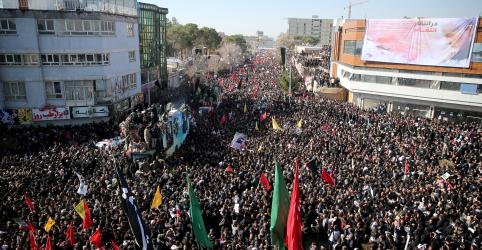 Placeholder - loading - Tumulto deixa ao menos 56 mortos em funeral de comandante iraniano