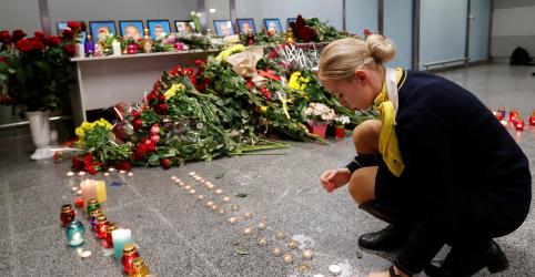 Placeholder - loading - Investigação do Irã diz que avião ucraniano estava em chamas no ar antes de cair