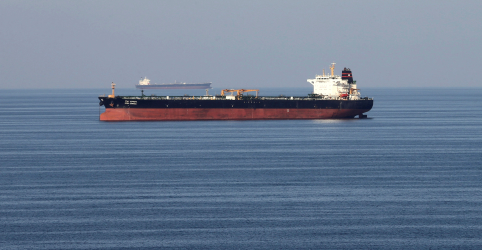 Placeholder - loading - Imagem da notícia Donos de navios-tanque enfrentam dor de cabeça com seguros por novas tensões no Oriente Médio