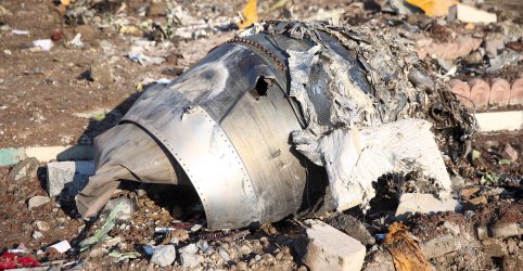Placeholder - loading - Imagem da notícia EUA acreditam que avião ucraniano foi derrubado acidentalmente pelo Irã, dizem autoridades