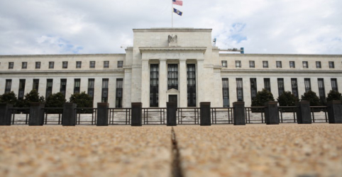 Placeholder - loading - Imagem da notícia Economia dos EUA expande-se modestamente; tensões comerciais pesam, mostra pesquisa do Fed