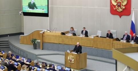 Placeholder - loading - Imagem da notícia Partido governista da Rússia aprova escolhido de Putin para ser premiê