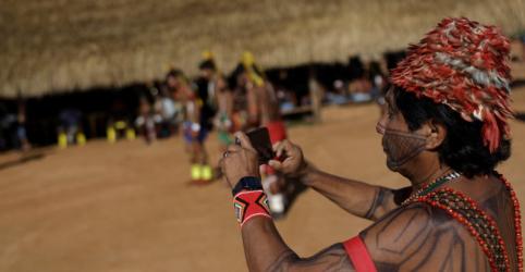 Placeholder - loading - Imagem da notícia Tribos da Amazônia entram na era digital para defender cultura e floresta