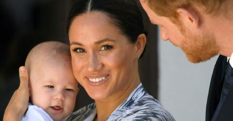 """Pai de Meghan acusa filha de """"depreciar"""" a família real do Reino Unido"""