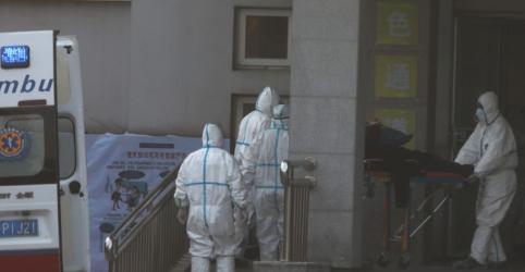 China confirma transmissão entre humanos de novo coronavírus, segundo Xinhua