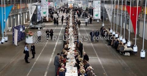 Protesto contra reforma da Previdência na França corta energia do maior mercado de alimentos do mundo
