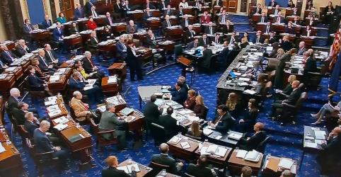 Placeholder - loading - Imagem da notícia Senado dos EUA rejeita pedido democrata por documentos e testemunhas em julgamento de Trump