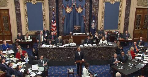 Placeholder - loading - Imagem da notícia Em abertura do julgamento, Trump é acusado de esquema corrupto para pressionar Ucrânia