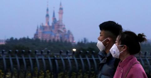 China fecha transporte, templos e Disney devido a vírus; número de mortos sobe para 26