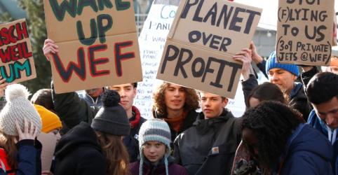 Ao final do Fórum Econômico Mundial, estrela de Greta ofusca seus críticos