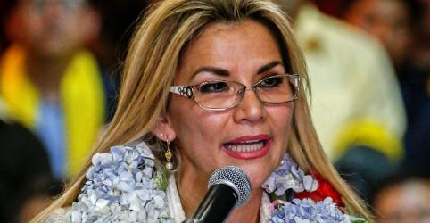 Placeholder - loading - Líder interina da Bolívia pede que ministros renunciem após anunciar candidatura presidencial