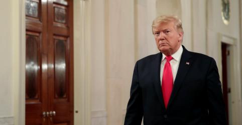 Trump queria congelar auxílio à Ucrânia até receber ajuda em investigação sobre rivais, diz NYT