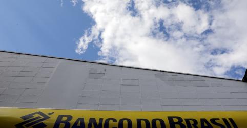 EXCLUSIVO-Sem privatização, Banco do Brasil parte para plano B