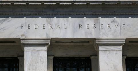 Placeholder - loading - Imagem da notícia Fed mantém juro estável, quer reduzir compras de Treasuries mais para frente este ano