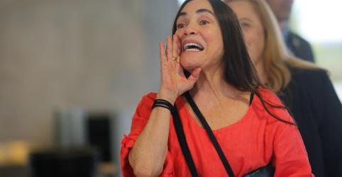 Placeholder - loading - Imagem da notícia Regina Duarte diz que aceita assumir Cultura, mas não há prazo para posse