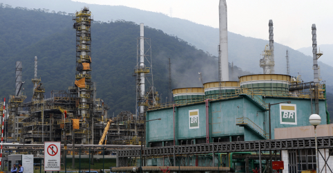 Placeholder - loading - Petrobras reduz em 3% gasolina e diesel com impacto do coronavírus no mercado