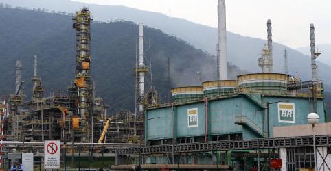 Placeholder - loading - Petrobras reduz combustíveis em 3%; diesel acumula queda de 10% no ano