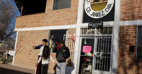 Placeholder - loading - Brasileiros enviados para o México reclamam de medida do governo Trump