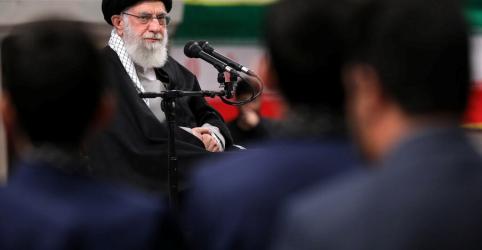 Placeholder - loading - Imagem da notícia Líderes árabes que apoiam acordo de Trump para Oriente Médio são incompetentes, diz Khamenei
