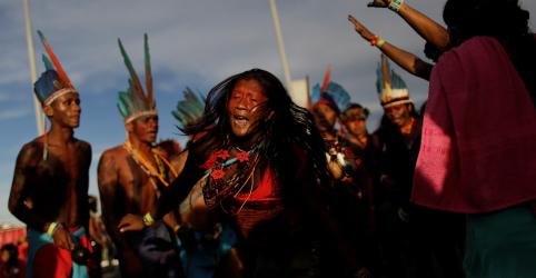 Placeholder - loading - Imagem da notícia Projeto sobre terras indígenas gera primeiros movimentos em jogo de pressões