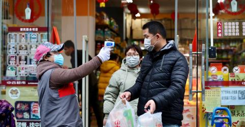 Placeholder - loading - Imagem da notícia OMS classifica coronavírus como 'inimigo público número um'