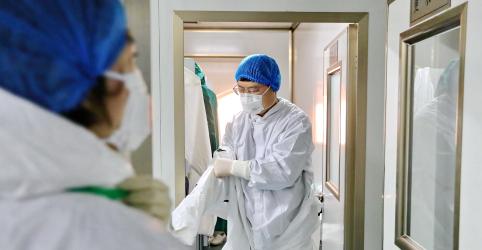 Placeholder - loading - Imagem da notícia Novos casos de coronavírus diminuem, especialistas divergem se surto está perto do pico