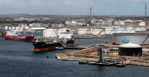 Petrolífera venezuelana PDVSA acelera remessas de petróleo para Cuba