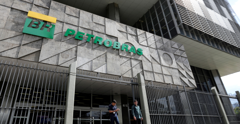Placeholder - loading - STF adia julgamento de decreto sobre governança e licitações em campos da Petrobras