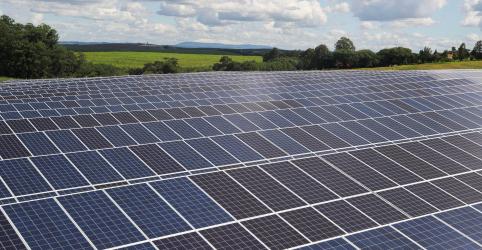 Placeholder - loading - ESPECIAL-Energia solar 'bomba' no Brasil e atrai de gigantes chinesas a startups