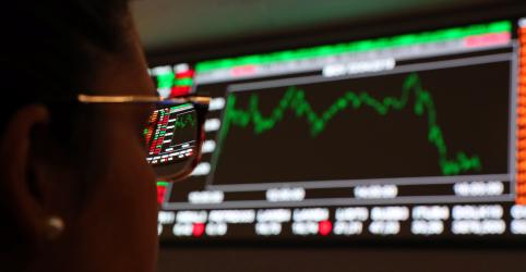 Ibovespa recua com aversão a risco global; Vale cai 4% com risco de nova provisão