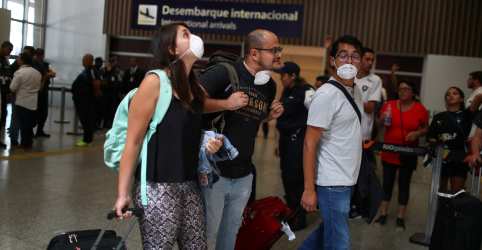 Placeholder - loading - Brasil muda critérios e amplia vigilância de coronavírus para pessoas provenientes de 8 países asiáticos