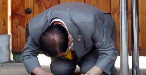 Fundador de igreja no centro do surto de coronavírus na Coreia do Sul lamenta 'calamidade'