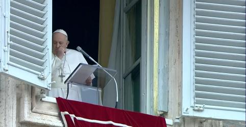 Placeholder - loading - Imagem da notícia Papa tem resultado negativo em exame de coronavírus, diz jornal italiano