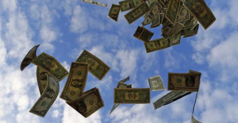 Placeholder - loading - Aumento de apostas em corte de juros faz dólar disparar a R$4,58; moeda salta 14,2% em 2020