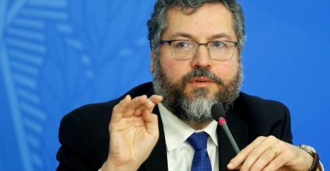 Placeholder - loading - Brasil retira diplomatas e servidores da embaixada em Caracas