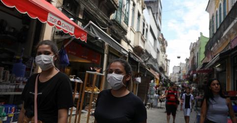 Placeholder - loading - Imagem da notícia Casos de coronavírus no Brasil vão a 234; governo contratará mais médicos, incluindo cubanos