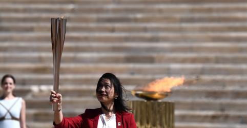 Placeholder - loading - Imagem da notícia Organizadores da Tóquio 2020 recebem chama olímpica em cerimônia a portas fechadas