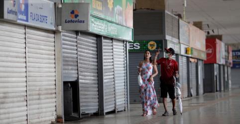 Placeholder - loading - Imagem da notícia Economia do Brasil pode retrair 4,4% em 2020 por coronavírus, estima FGV